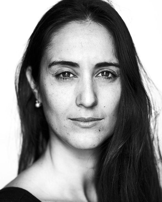 Ojos de hojalata fotografía de retrato de mujer artístico en blanco y negro de Mar Vidal orden y deco